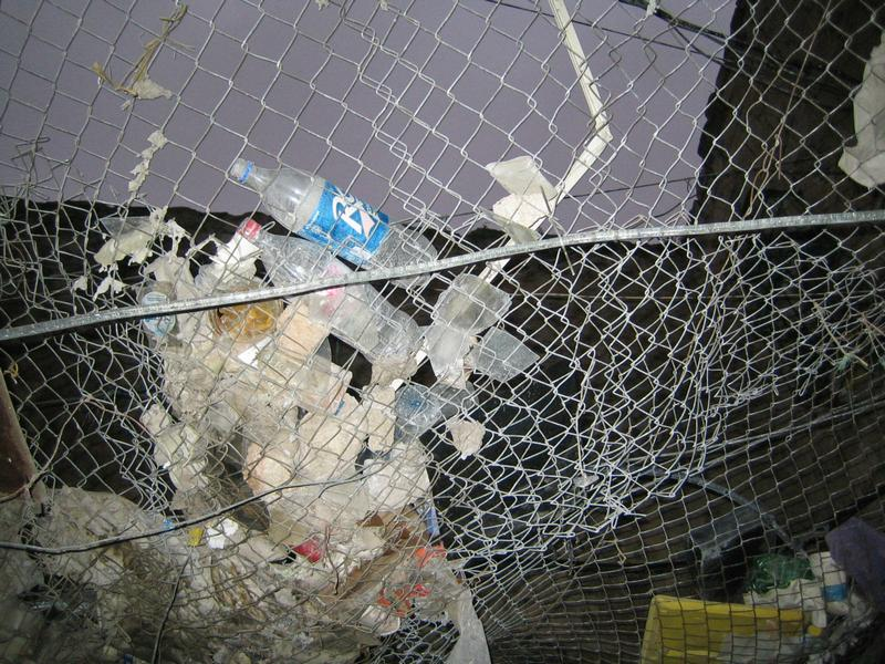Rubbish caught by netting in Hebron